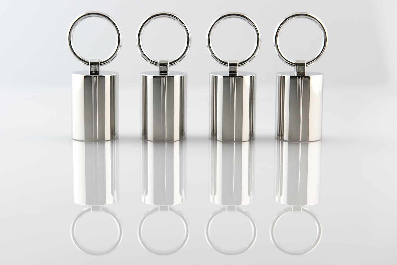 Finiture-galvaniche-su-plastica-Profumeria-e-cosmetica-Tappi-con-anelli